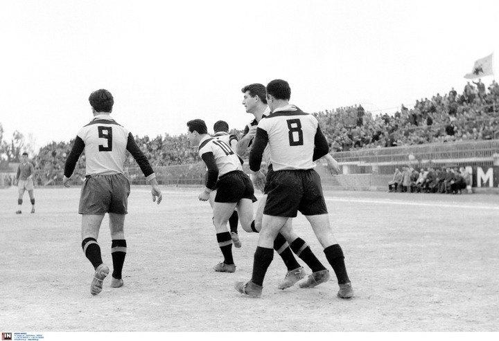 Ο μεγάλος Γιάννης Κανάκης της ΑΕΚ πέτυχε το πρώτο γκολ στην ιστορία της Α' Εθνικής