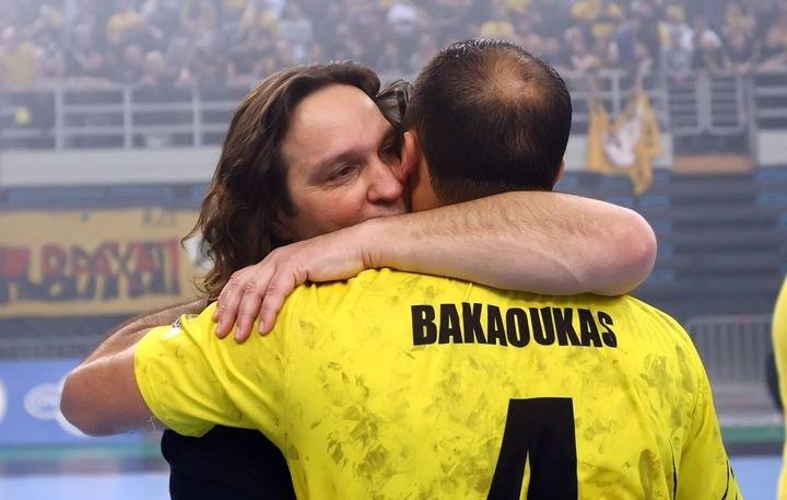 """Αρβανίτης - Μπακαούκας: """"Περήφανοι για την ομάδα και τον κόσμο της ΑΕΚ"""""""