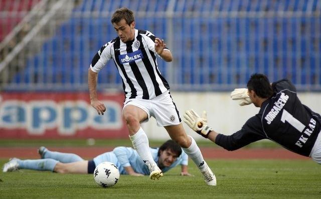 Μέχρι τις 400.000 ευρώ μπορεί να φτάσει η προσφορά της ΑΕΚ για τον Λάζοβιτς