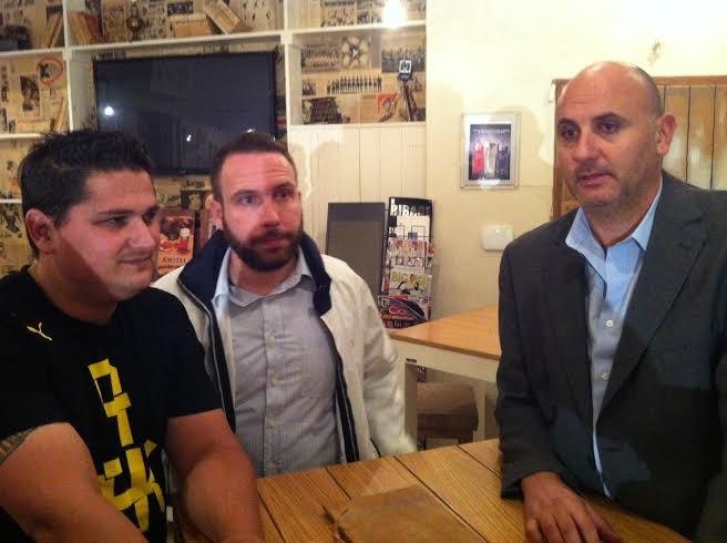ΦΩΤΟ του enwsi.gr από την παρουσίαση της νέας φανέλας της ΑΕΚ