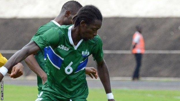 Ποδοσφαιριστής της Football League αποκλείστηκε υπό το φόβο Έμπολα!