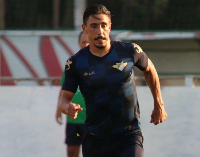 «Παλεύει» για τον Σιμόες η ΑΕΚ, πιέζει τον παίκτη η Μορεϊρένσε για άμεση μεταγραφή