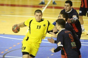 XANTH - AEK handball (2)