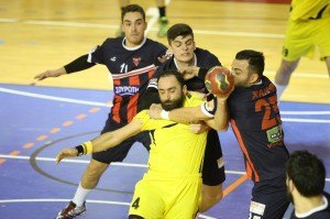 XANTH - AEK handball (3)