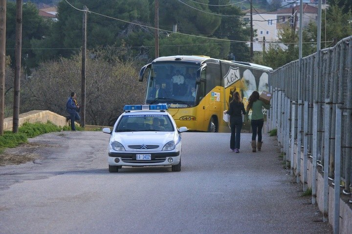Δείτε στο βίντεο του enwsi.gr την άφιξη της ΑΕΚ στο γήπεδο της Κέρκυρας για το ματς κυπέλλου