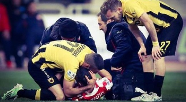 «Ποδόσφαιρο είναι η αγκαλιά του Αραβίδη στον Μανιάτη»
