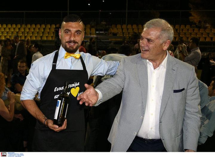"""Αραβίδης: """"Είναι χαρά όλων στην ομάδα η παραμονή του προπονητή μας"""""""