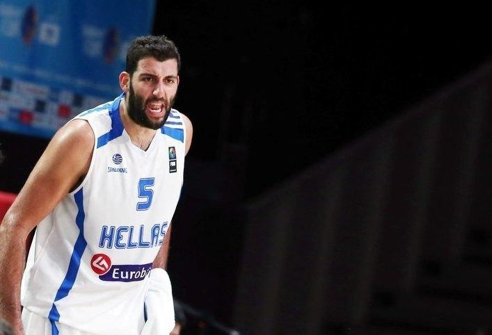 Φήμες για επιστροφή Μπουρούση σε ελληνική ομάδα!