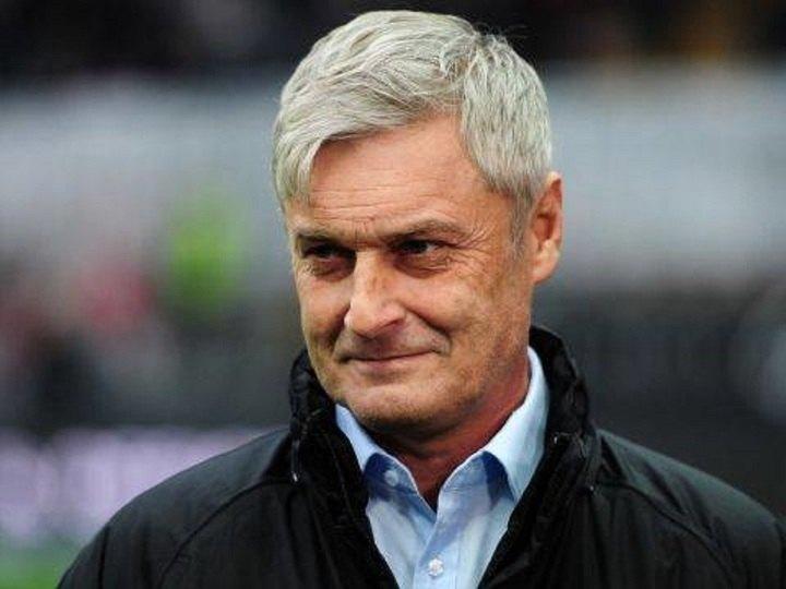 Φούντωσαν φήμες ότι η ΑΕΚ κλείνει προπονητή τον...
