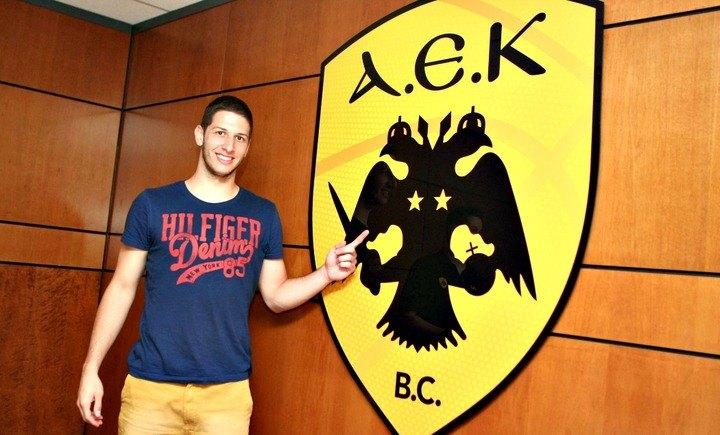 Η παρουσία του Ιβάνοβιτς στα γραφεία της ΚΑΕ σε εικόνες