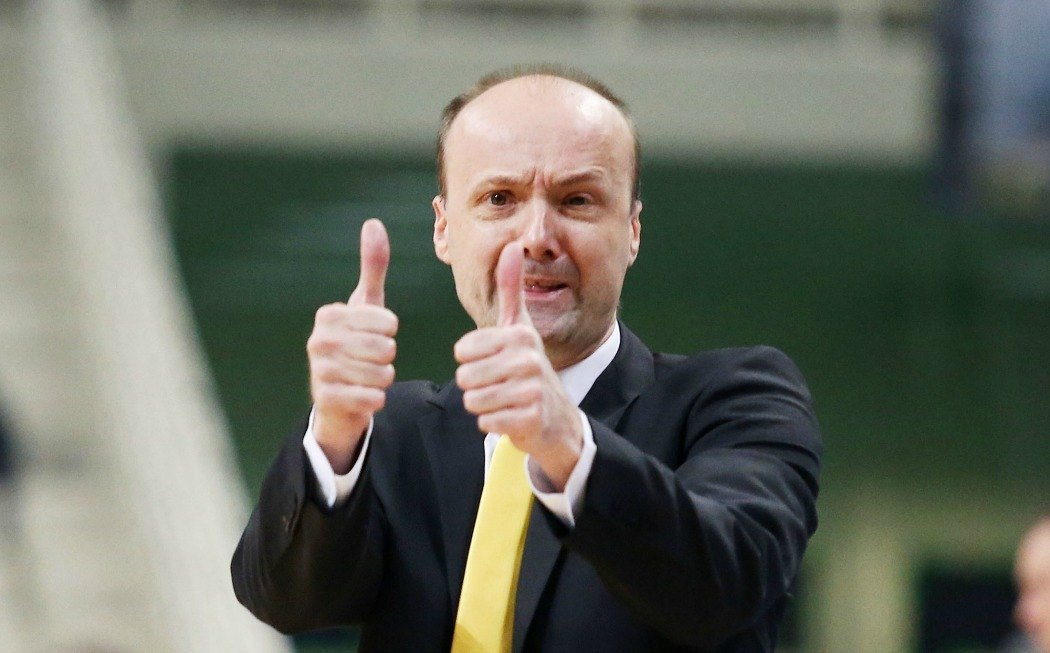 Ζντοβτς: «Αυτά περιμένω από Μαυροκεφαλίδη και Νιούλεϊ»