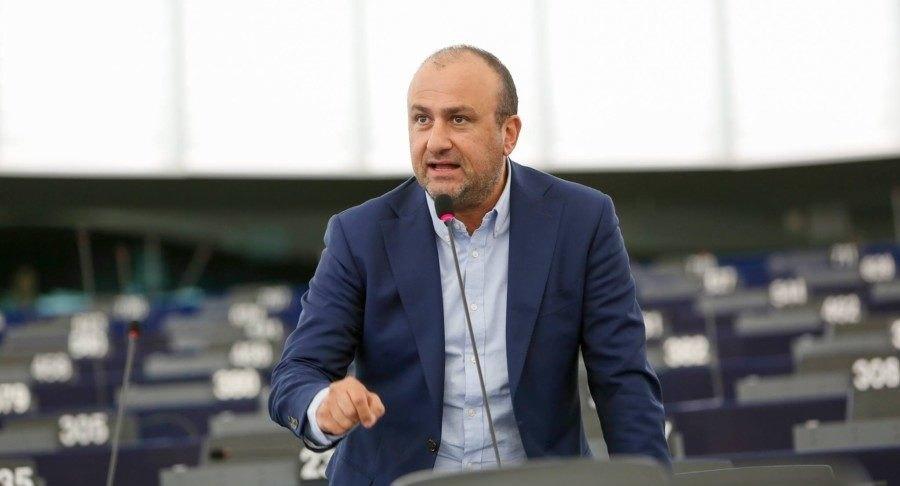 Η άρνηση Βασιλόπουλου για το νέο γήπεδο της ΑΕΚ έγινε θέμα στην Ευρωβουλή!