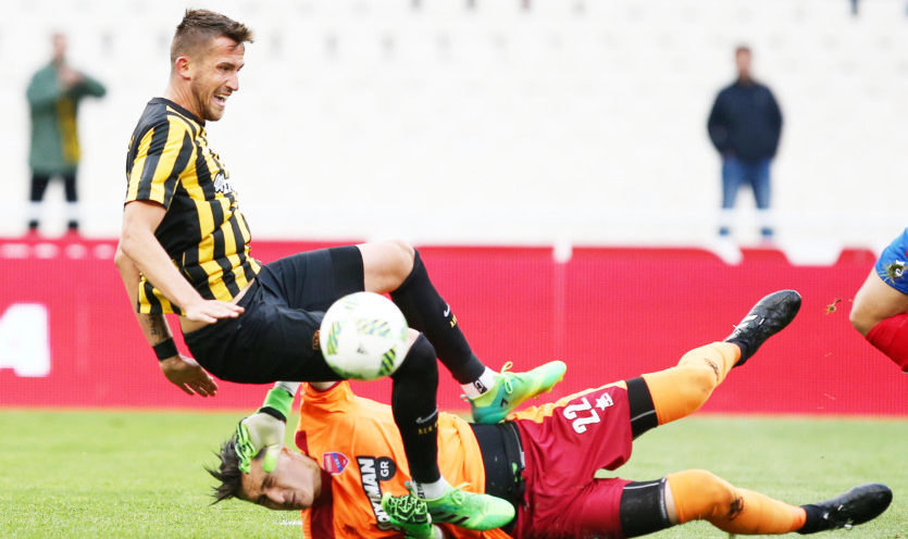 Εξαλλοι στην ΑΕΚ με τον Τζήλο για το πέναλτι στον Πέκχαρτ