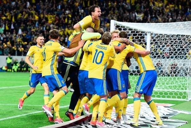 Τα πανηγύρια του Γιόχανσον και των Σουηδών για τη σπουδαία νίκη (ΦΩΤΟ)