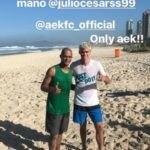 Ο Βινίσιους συνάντησε τον Ζούλιο Σέζαρ και φώναξαν μαζί «Μόνο ΑΕΚ!» (ΦΩΤΟ)