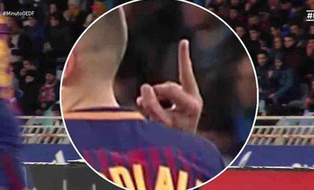 Ζόρντι Άλμπα: Συγγνώμη για το μεσαίο δάκτυλο