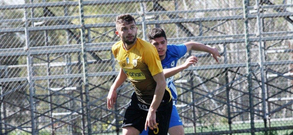 Βασικός ο Μπούσης, αλλαγή μπήκε ο Γιούσης στο ματς της Εθνικής Νέων