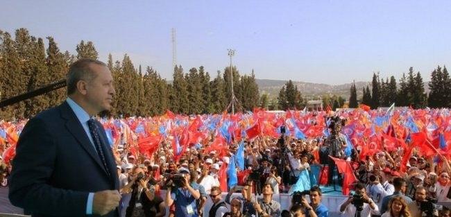 Νέες προκλητικές δηλώσεις Ερντογάν: «Οι Έλληνες έκαψαν τη Σμύρνη»