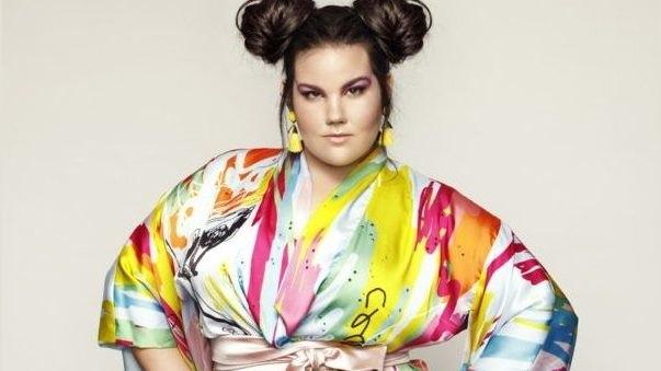 Το φαβορί της φετινής Eurovision αποφάσισε να γίνει τραγουδίστρια όταν ήταν φαντάρος (ΦΩΤΟ-VIDEO)