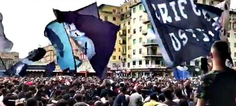 Ξεσηκωμός στη Νάπολι, 6.000 τιφόζι συγκεντρώθηκαν έξω από τον σταθμό στη Φλωρεντία (VIDEO)