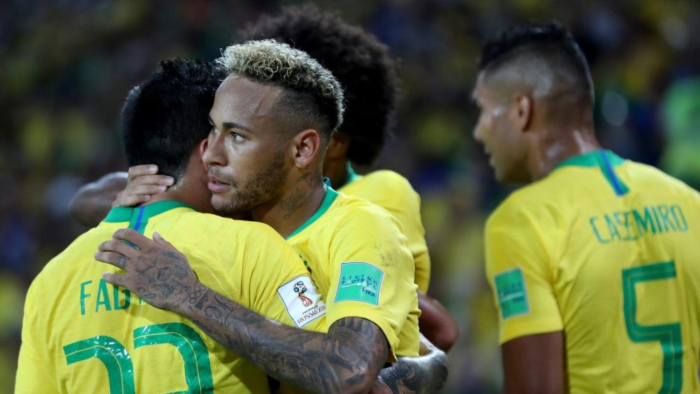 """Προκρίθηκαν στους """"16"""" Βραζιλία και Ελβετία"""
