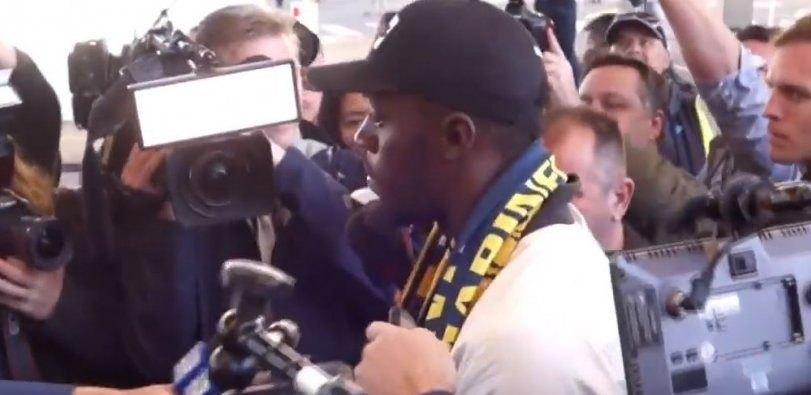 Εφτασε στην Αυστραλία για τη νέα ποδοσφαιρική του ομάδα ο Μπολτ (VIDEO)