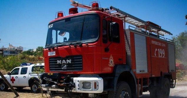 Φωτιά στην Κερατέα - Μεγάλη κινητοποίηση από την πυροσβεστική (ΦΩΤΟ)