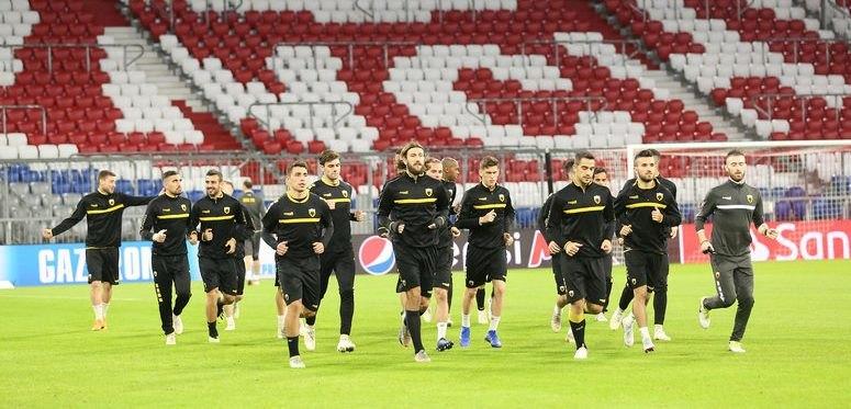 Χωρίς προβλήματα η προπόνηση της ΑΕΚ στο «Allianz Arena»