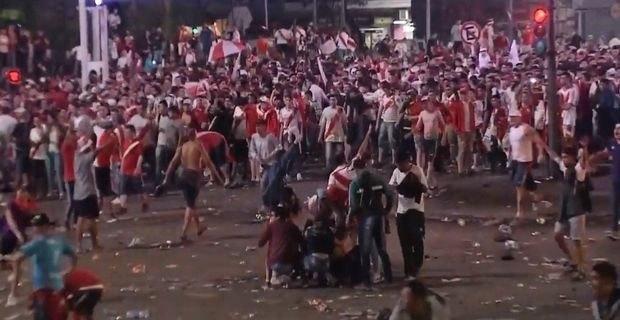 Σφοδρές συγκρούσεις οπαδών της Ρίβερ με την αστυνομία (VIDEO)