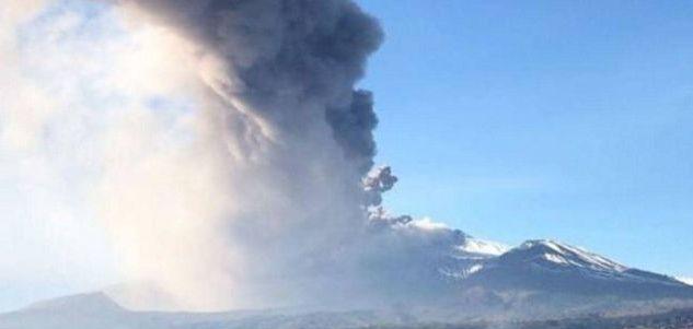 Ιταλία: Έκρηξη στο ηφαίστειο της Αίτνας -Έκλεισε το αεροδρόμιο (ΦΩΤΟ-VIDEO)