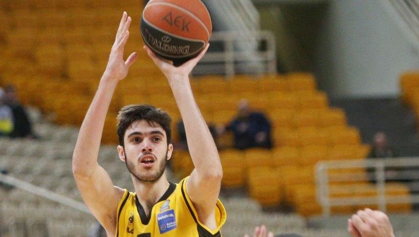 Τσαλμπούρης στο enwsi.gr: «Θέλω να γίνομαι ολοένα και καλύτερος»