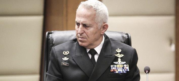 Ο αρχηγός ΓΕΕΘΑ ναύαρχος Αποστολάκης φαβορί για τη θέση του υπουργού Αμυνας