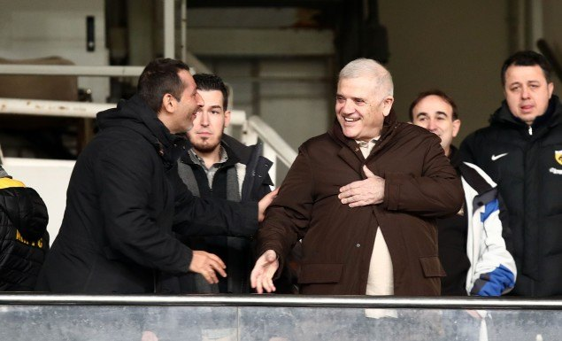 Χαρούμενος ο Μελισσανίδης για την «τριάρα» της ΑΕΚ
