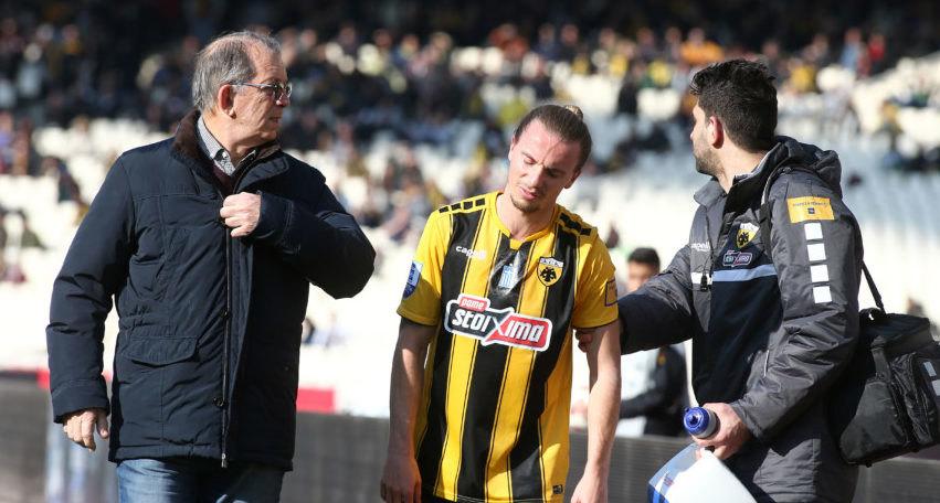 Νέος τραυματισμός για την ΑΕΚ, αναγκαστική αλλαγή ο Χουλτ!