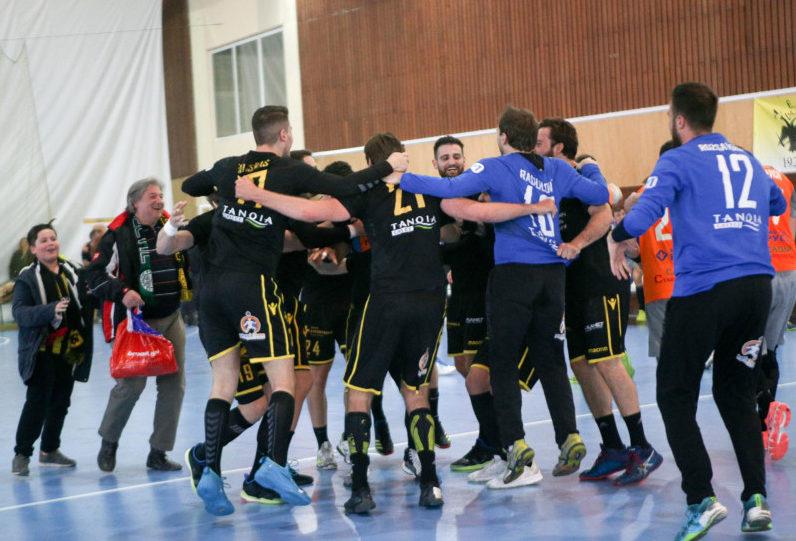Ρίχνεται... στη μάχη των play-off της Handball Premier η ΑΕΚ