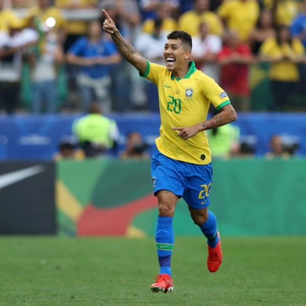 Η Βραζιλία χόρεψε σάμπα και φιλοδώρησε με «πεντάρα» το Περού! (VIDEO)