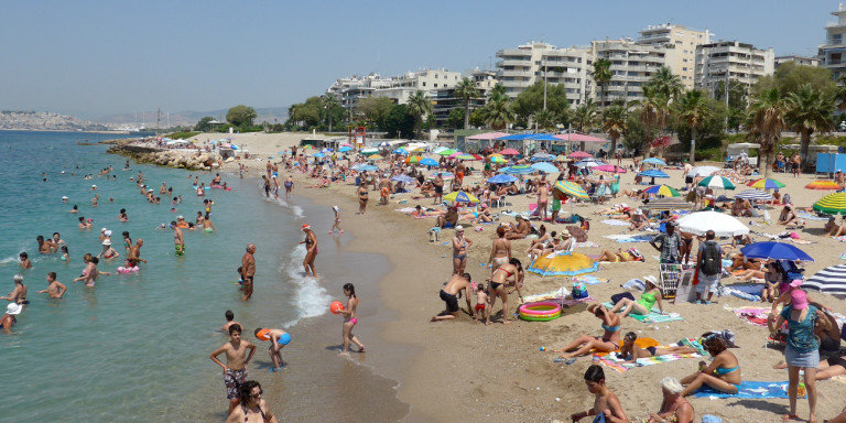 Ακατάλληλες για κολύμβηση 47 παραλίες της Αττικής – Δείτε τη «μαύρη λίστα» (ΦΩΤΟ-VIDEO)