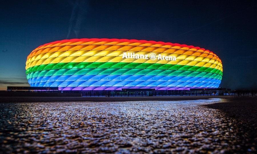 Στα χρώματα του Pride το Allianz Arena (ΦΩΤΟ)