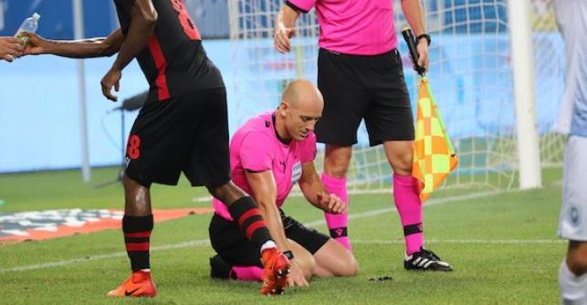 Εξαλλοι στη Χόνβεντ για τη μη διακοπή του ματς με Κραϊόβα