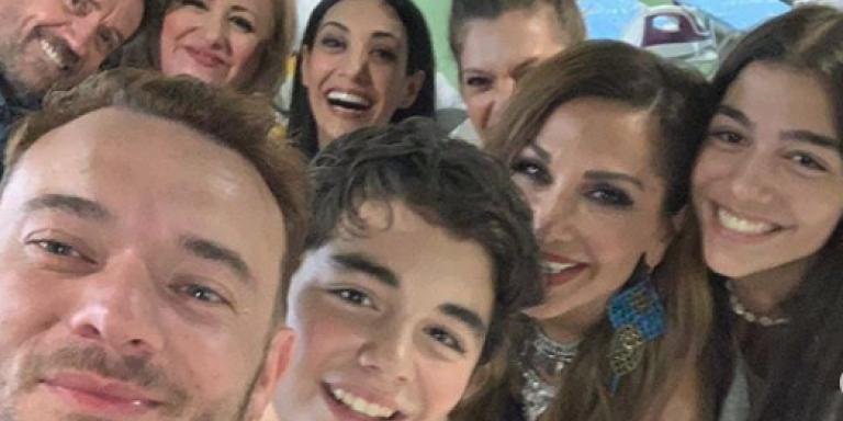 Η Δέσποινα Βανδή γιόρτασε στο θέατρο τα γενέθλια του γιου της και η τούρτα του ήταν εντυπωσιακή! (ΦΩΤΟ)