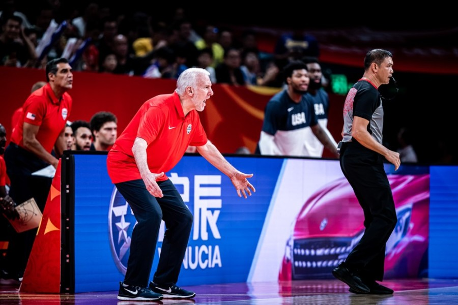Γκρεγκ Πόποβιτς: «Ο Γιάννης αντιμετωπίζεται πιο εύκολα με κανονισμούς FIBA»
