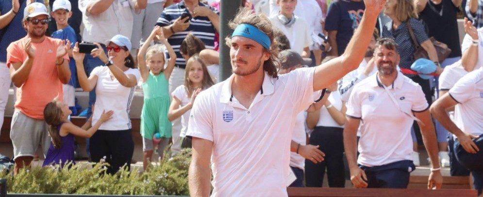 Davis Cup: Ο εκπληκτικός Τσιτσιπάς σφράγισε την πρόκριση της Ελλάδας και αποθεώθηκε!