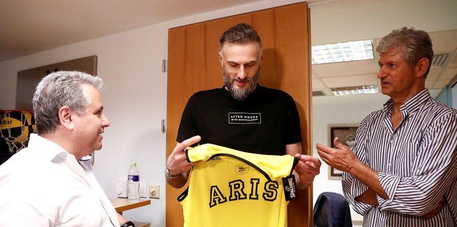 Η FIBA αφαίρεσε δύο ban από την Άρη