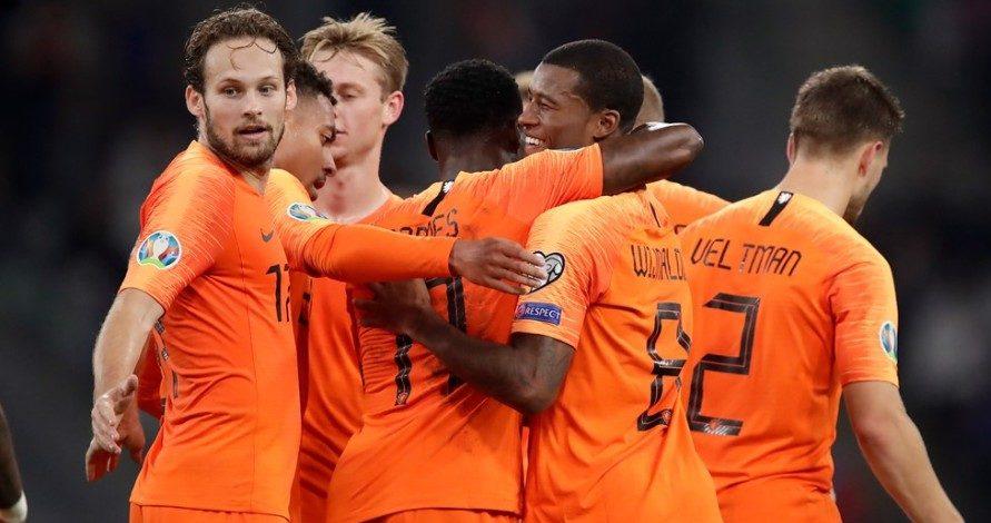 Βήμα πρόκρισης η Ολλανδία με Βαϊνάλντουμ