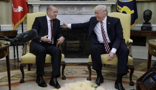 """Τραμπ σε Ερντογάν: """"Μην είσαι σκληρός και ανόητος!"""""""