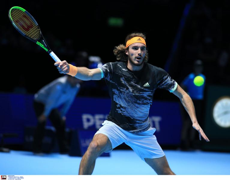 Σήμερα (16.00) με τον Φέντερερ ο Τσιτσιπας για μια θέση στο τελικό του ATP Finals!