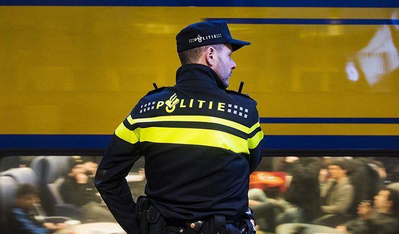 Ολλανδία: 25 μετανάστες βρέθηκαν σε φορτηγό πλοίο