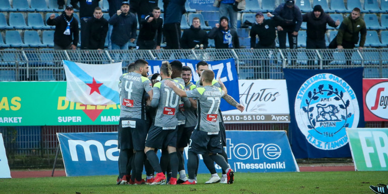 Super League 2: Ο ΠΑΣ Γιάννινα «απέδρασε» με νίκη από την Κέρκυρα