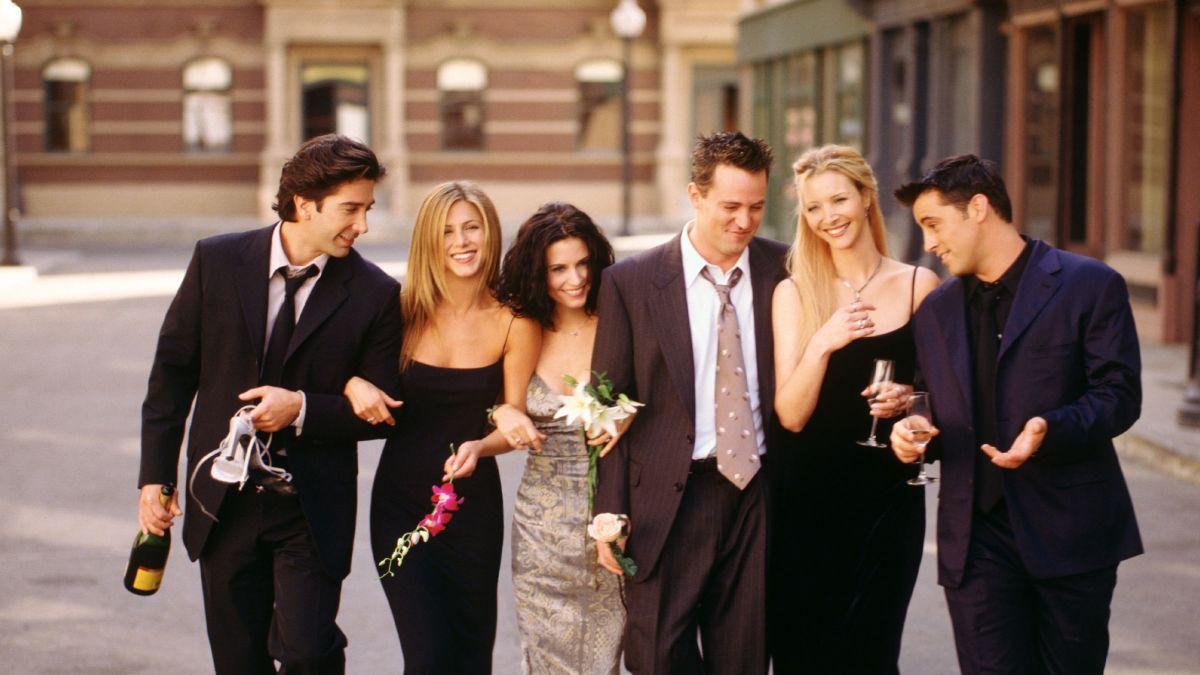 """Είναι επίσημο: Τα """"Φιλαράκια"""" επιστρέφουν μετά από 16 χρόνια με special επεισόδιο"""