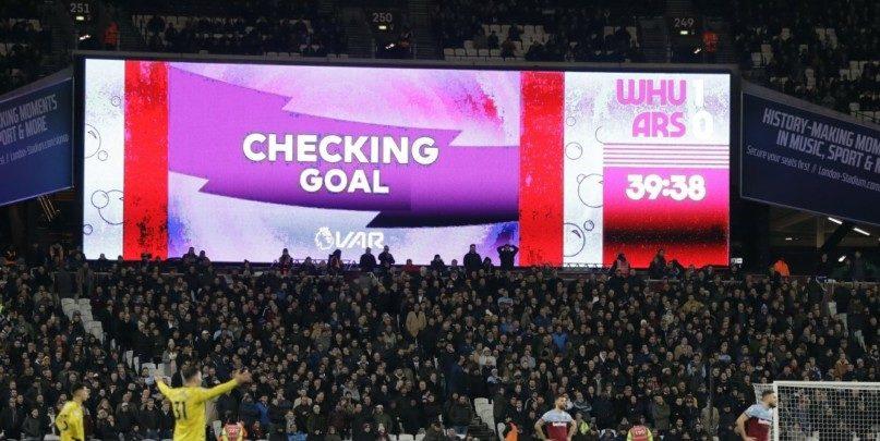 1/25 Άγγλους οπαδούς θέλει το VAR στην Premier League